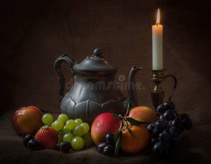 Teapot Wciąż życie zdjęcie stock