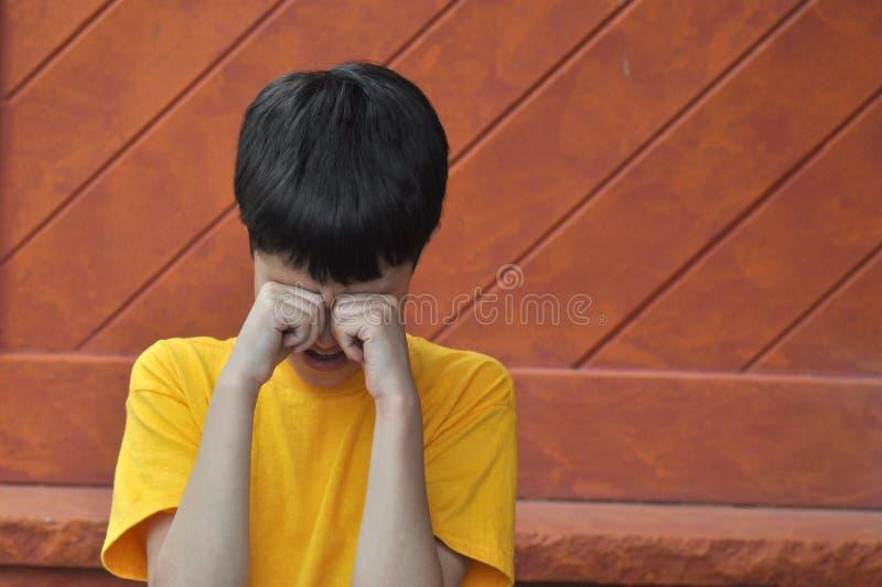 Teary Junge lizenzfreie stockbilder