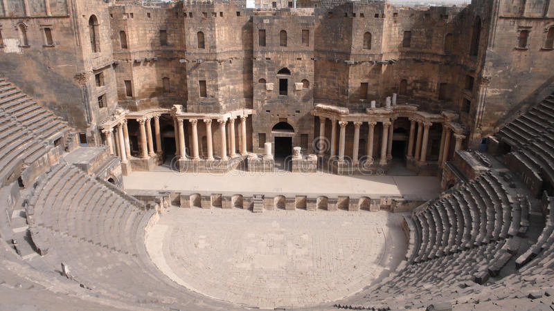 Teater av Bosra, Syrien royaltyfri fotografi