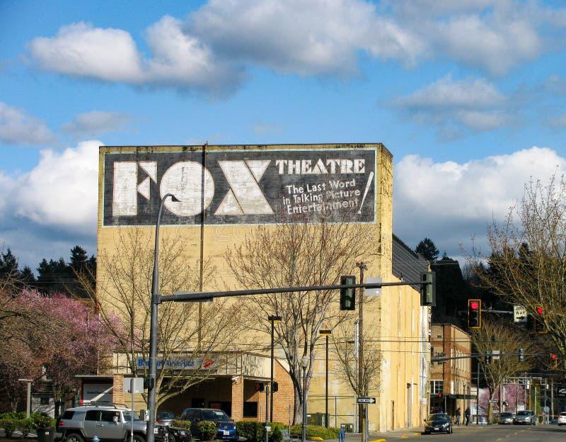 Teater för gränsmärkeCentralia räv, byggande väggteckensikt arkivfoto
