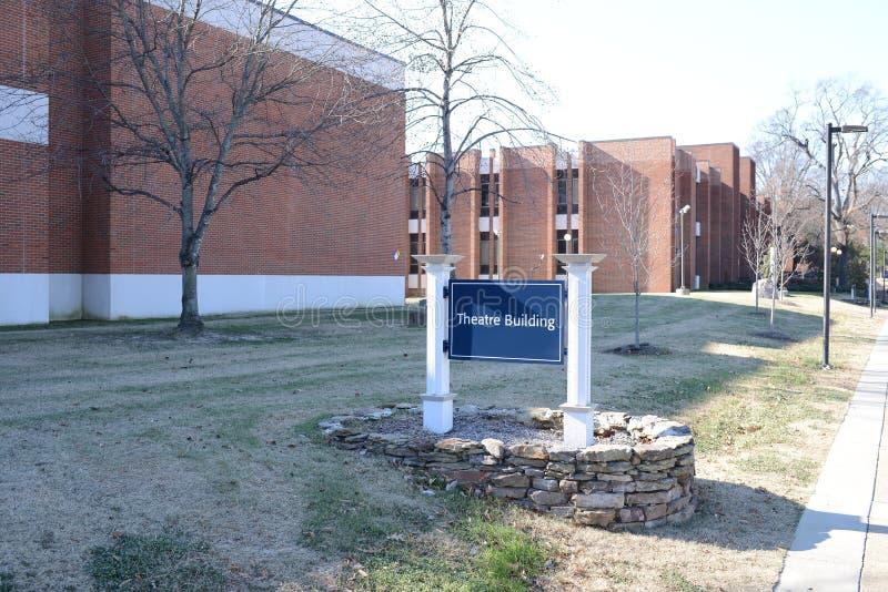 Teaterbyggnad på en högskola arkivfoton