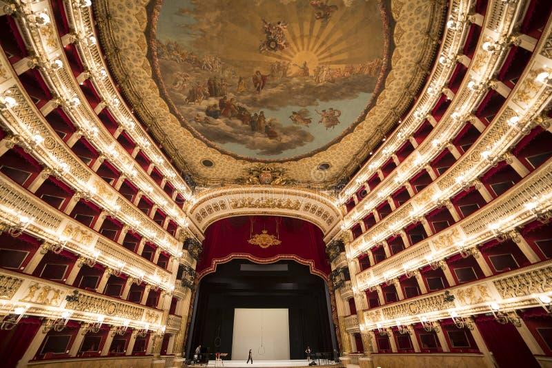 Teatro二圣克罗,那不勒斯歌剧院 免版税库存照片
