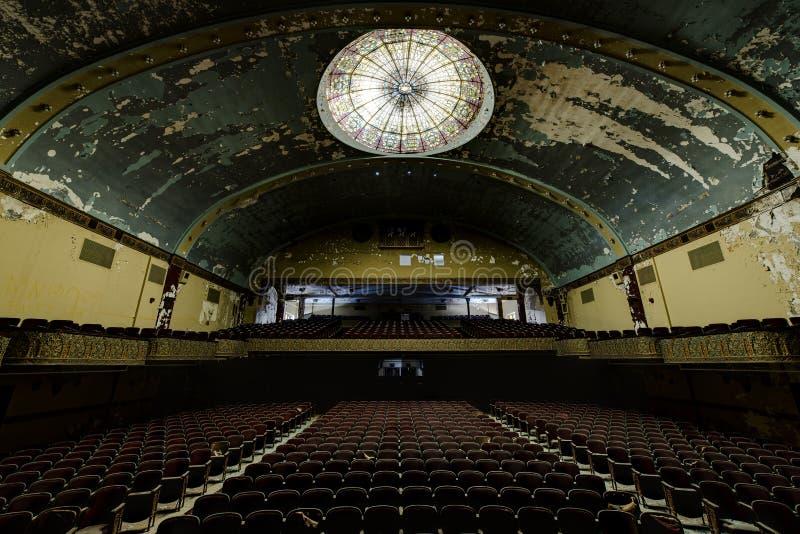 Teatro abandonado e histórico para Shriners - Wilkes-barra do templo de Irem, Pensilvânia fotos de stock royalty free