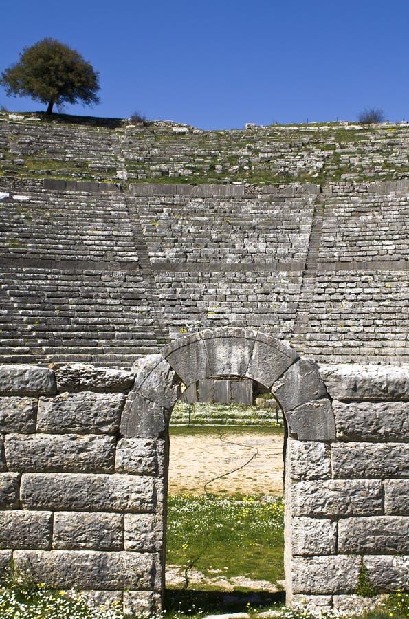 Teatro antico greco di Dodoni alla Grecia fotografia stock libera da diritti