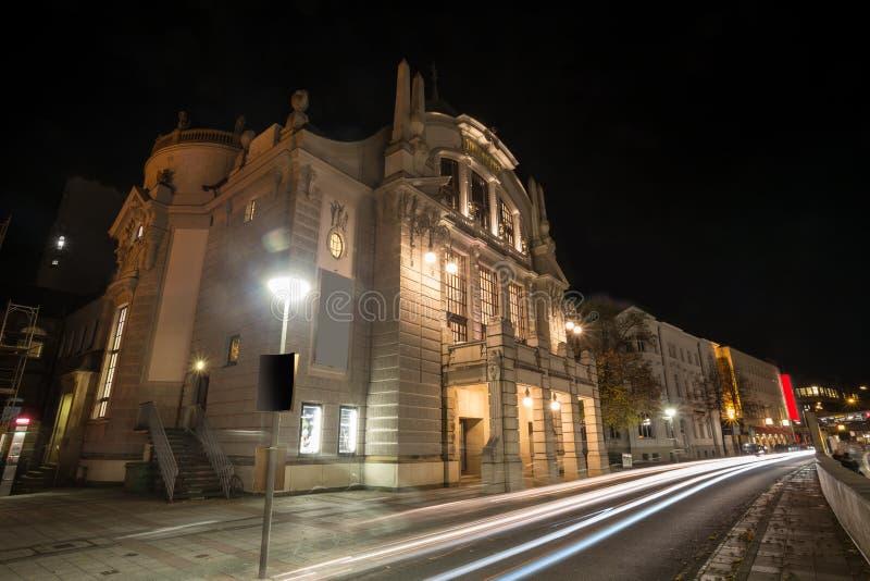 Download Teatro Bielefeld Alemanha Na Noite Foto de Stock - Imagem de germany, escuro: 80100718