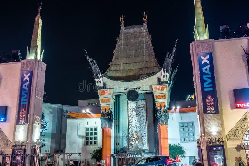 Teatro Chinês de Grauman em Hollywood blvd los angeles à noite imagens de stock