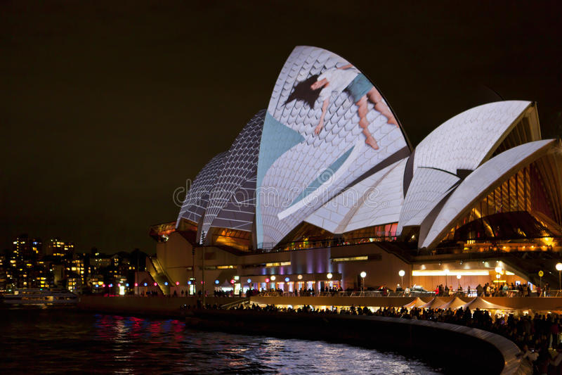 Teatro da ópera de Sydney no festival vívido 2012 fotografia de stock