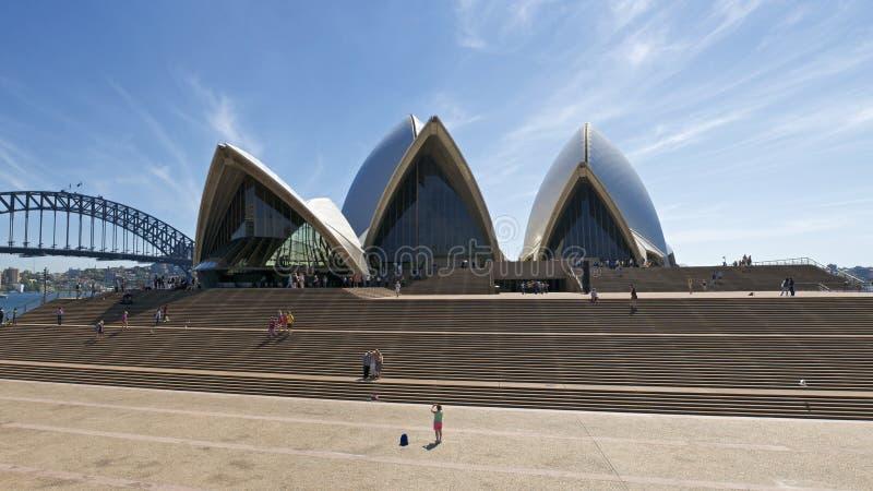 Teatro da ópera de Sydney panorâmico fotos de stock