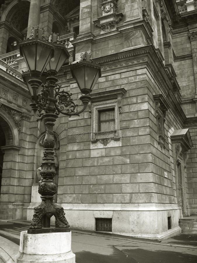 Download Teatro Da ópera Em Budapest - Preto E Branco Foto de Stock - Imagem de hungria, pólo: 56146