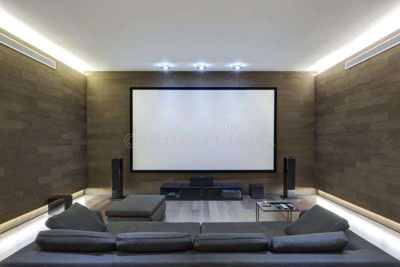 Teatro da Em-casa na casa luxuosa imagem de stock