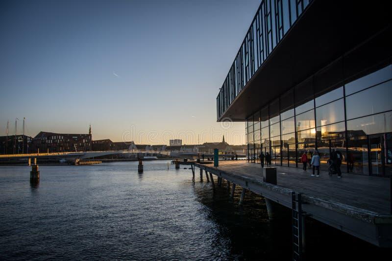 Teatro danés real Puerto de Copenhague dinamarca foto de archivo