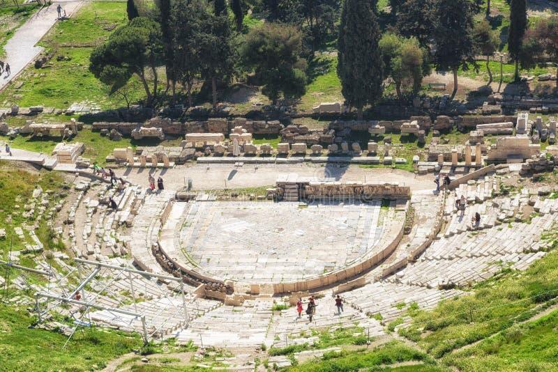 Teatro de Dionysus sob a acrópole em Atenas imagens de stock royalty free