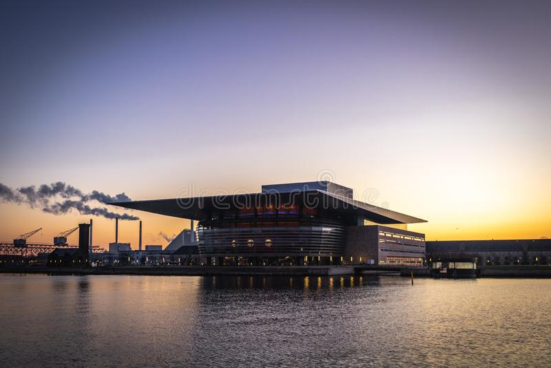 Teatro de la ópera de Copenhague imagenes de archivo
