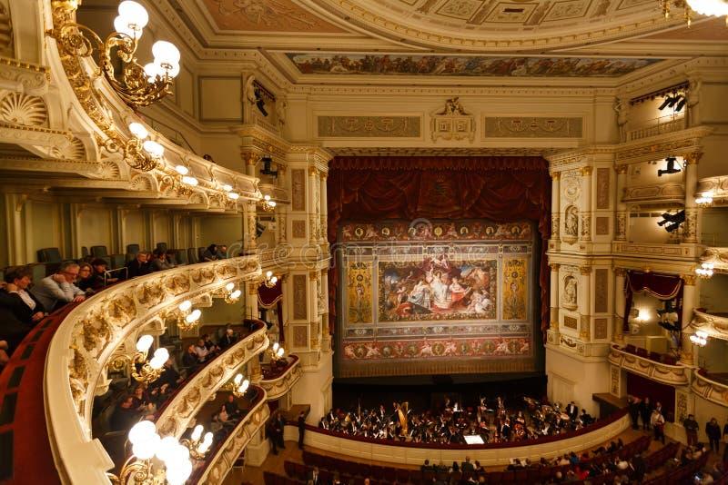 Teatro de la ópera de Dresden interior fotos de archivo