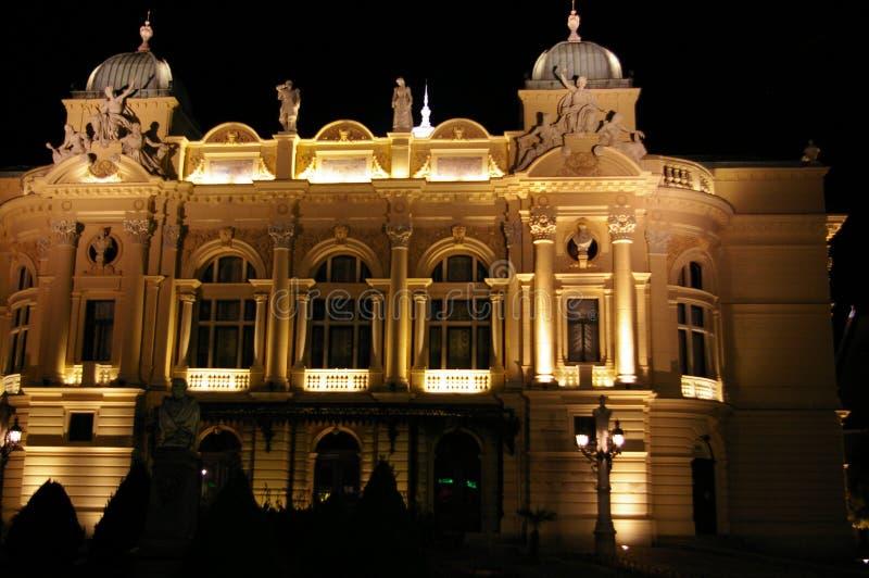 Teatro de la ópera de la noche fotos de archivo libres de regalías