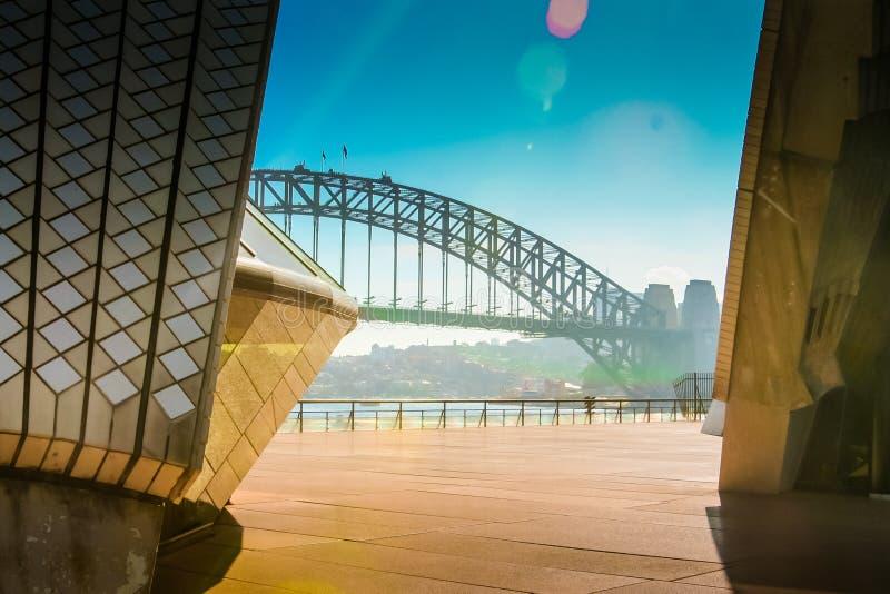 Teatro de la ópera de Sydney Harbour Bridge From The foto de archivo