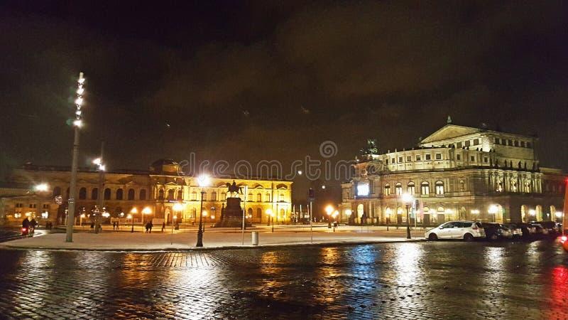 Teatro de la ópera de Dresden Semper en el cuadrado de Theaterplatz imagen de archivo libre de regalías