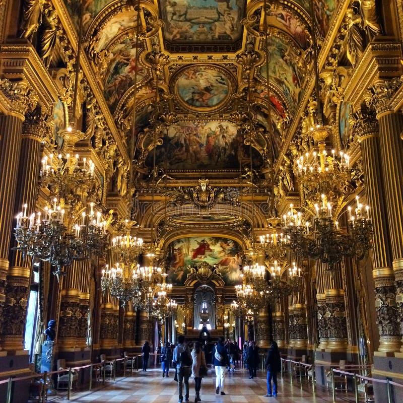 Teatro de la ópera parisiense imagen de archivo libre de regalías