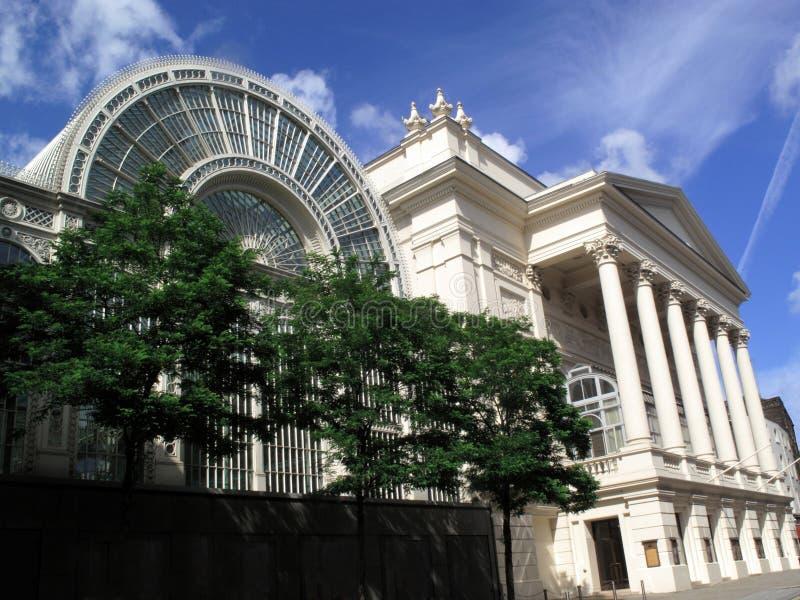 Teatro de la ópera real y la extensión floral de Pasillo foto de archivo libre de regalías