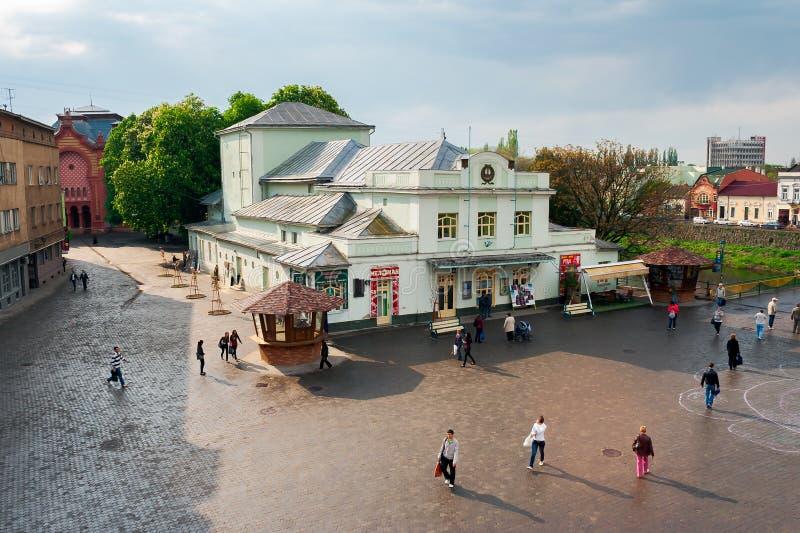 Teatro de la marioneta en el cuadrado de Teatralna imágenes de archivo libres de regalías