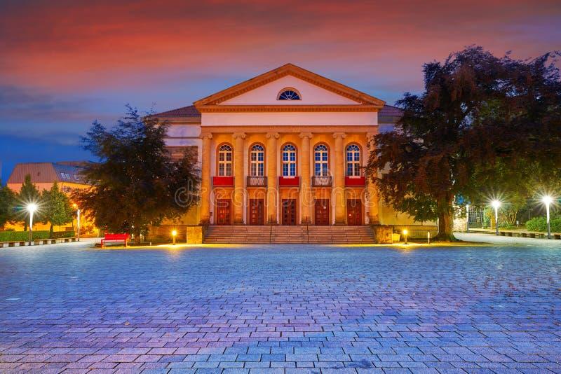 Teatro de Nordhausen na noite no Thuringia Alemanha imagem de stock
