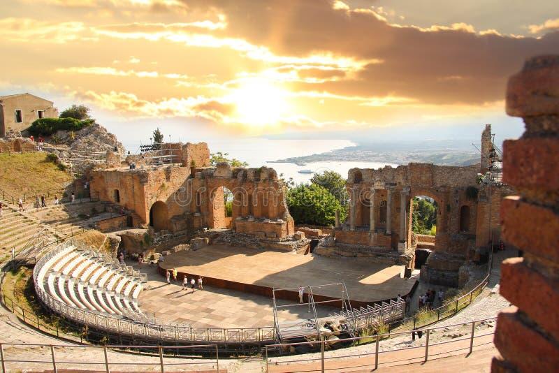 Teatro de Taormina, Sicilia, Italia fotos de archivo libres de regalías