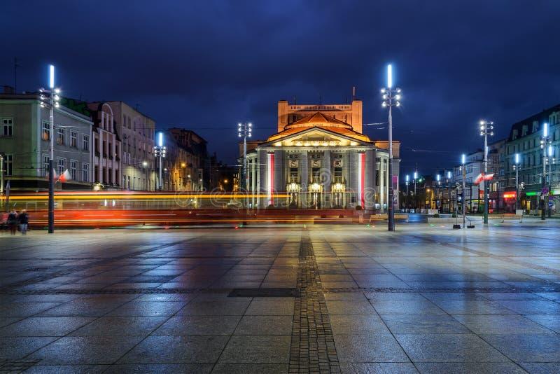 Teatro de Wyspianski en el cuadrado central del Katowice, y th imágenes de archivo libres de regalías
