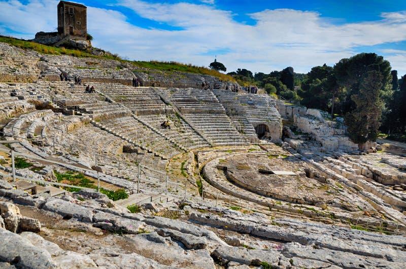 Teatro del greco antico a Siracusa Neapolis, Sicilia, Italia fotografie stock libere da diritti