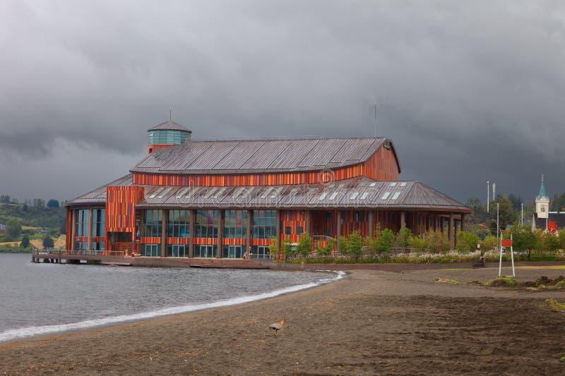 Teatro del lago nella città Frutillar, Llanquihue del lago, Cile immagini stock