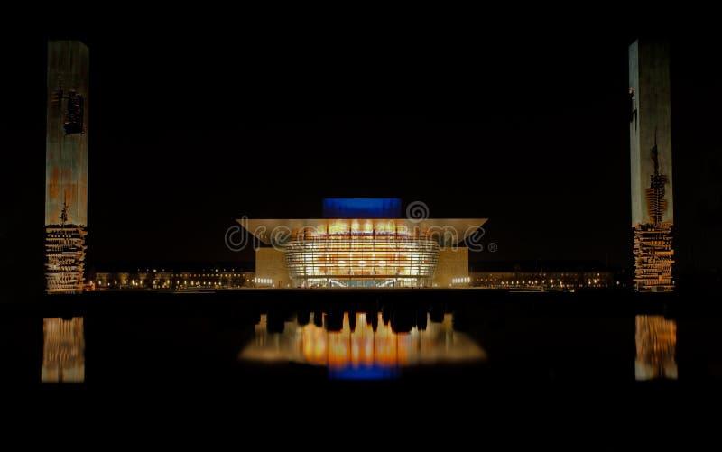 Teatro dell'Opera a Copenhaghen alla notte fotografia stock libera da diritti