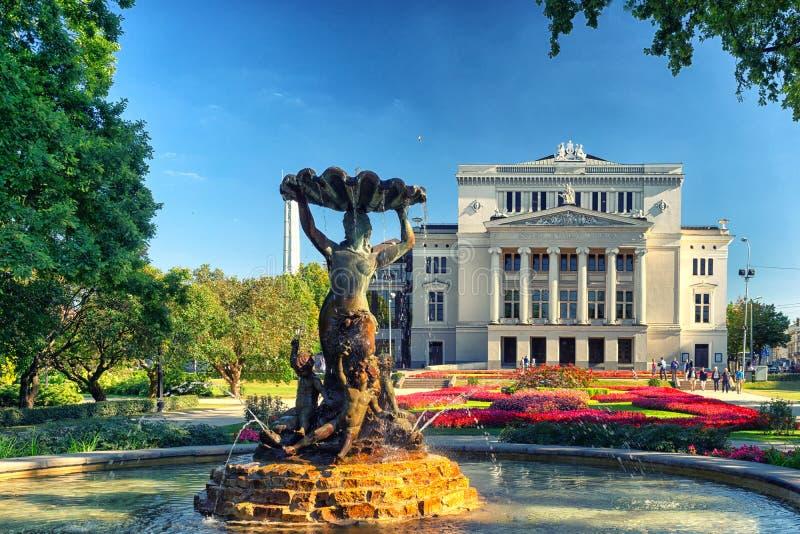 Teatro dell'opera e del balletto a Riga immagini stock libere da diritti
