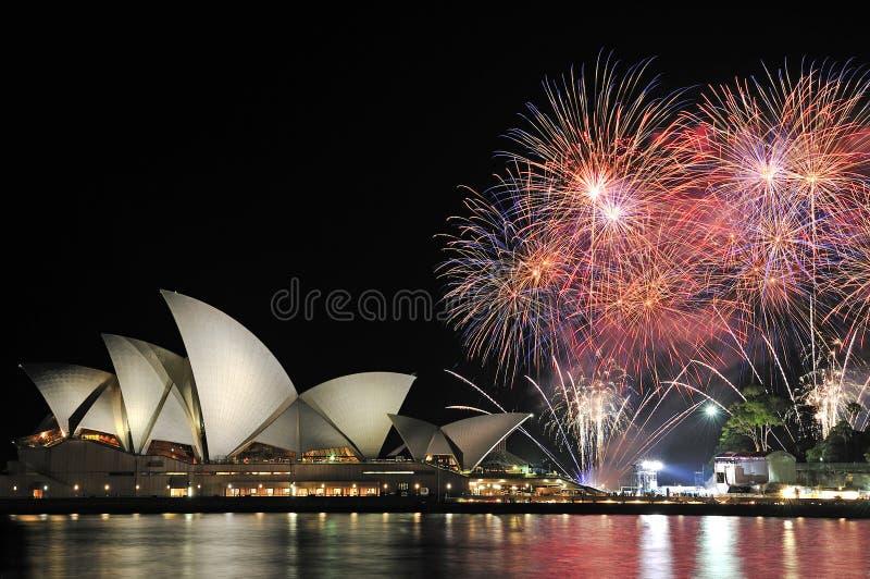Teatro dell'opera Sydney Australia dei fuochi d'artificio fotografie stock libere da diritti