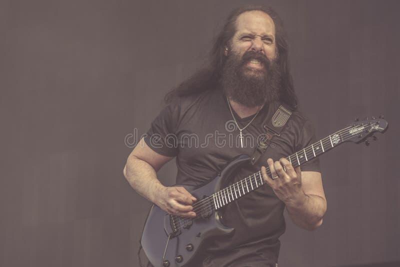 Teatro ideal, concerto vivo 2019 de John Petrucci fotografia de stock