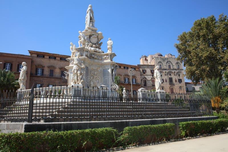 Teatro Marmoreo a Palermo sicily fotografia stock libera da diritti