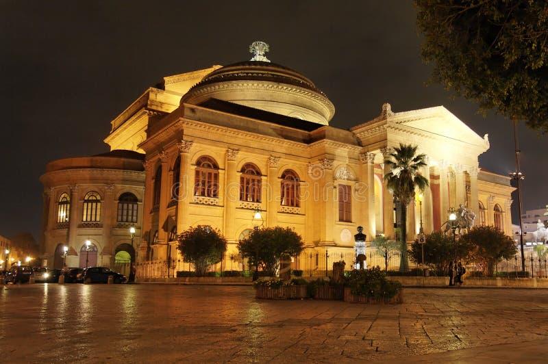 Teatro Massimo entro Night fotografia stock