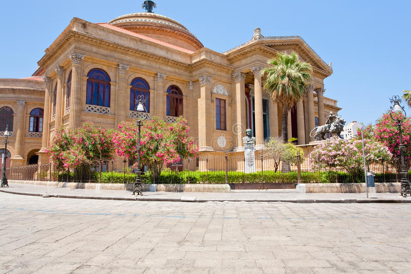 Teatro Massimo - théatre de l'$opéra à Palerme, Sicile photo libre de droits