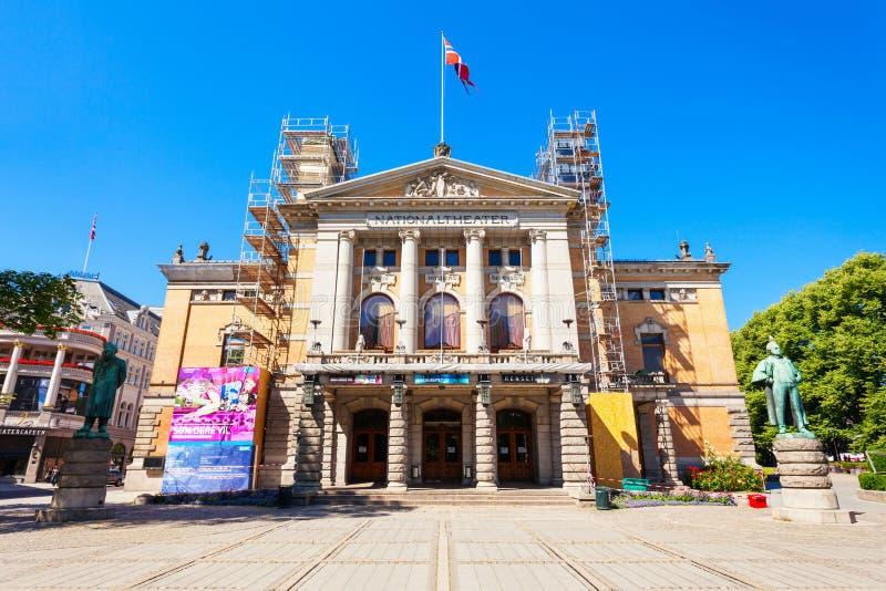 Teatro nacional en Oslo imagenes de archivo