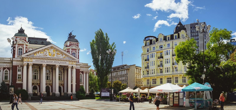 Teatro nacional Ivan Vazov em Sófia, Bulgária fotografia de stock royalty free