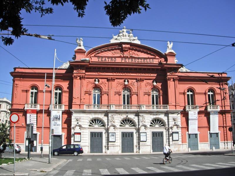 Teatro Petruzzelli, Μπάρι, Ιταλία στοκ εικόνες