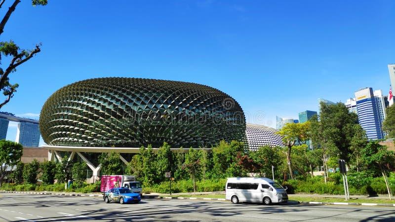 Teatros de la explanada en la bahía con la ciudad de Singapur imagen de archivo libre de regalías