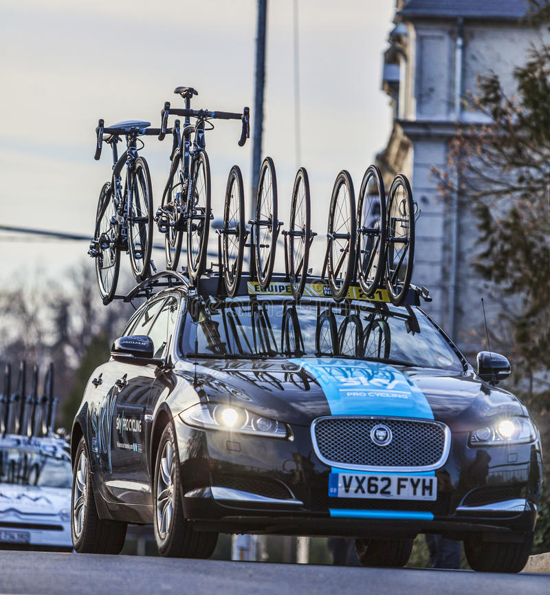 Download Technical Car Of Sky Procycling Team Editorial Stock Photo - Image of team, race: 31476393
