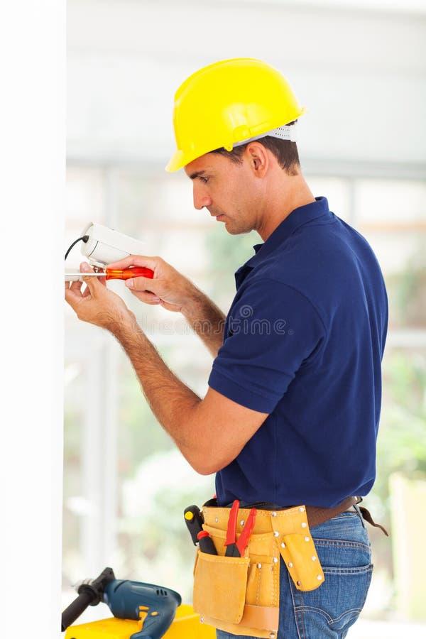 Technicien de surveillance de sécurité images stock