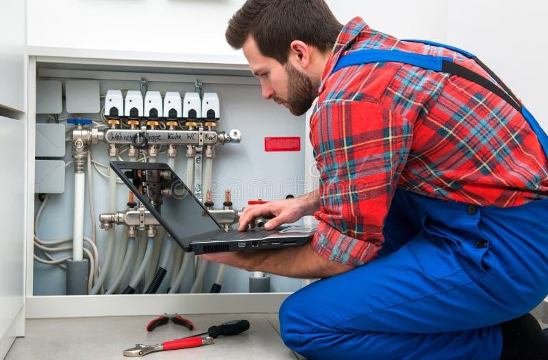 Technicus aan het werk stock foto