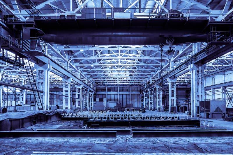 Technik-Betriebsshop Vereinheitlichte typische Standardspanne vorfabriziert von einem Stahlbetonrahmengebäude L Metallverarbeitun lizenzfreie stockfotos