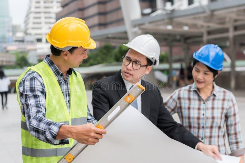Technikbauteamwork-Konzept: Berufs-enginee lizenzfreies stockfoto