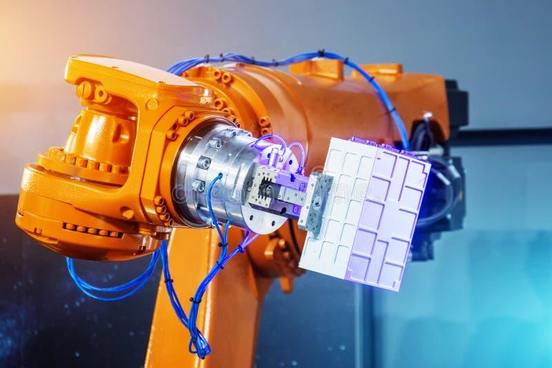 Technische Produktion, Messung, Erforschung der Parameter von Objekten, automatisierte Handrobotertechnik Thema Industrietechnik stockfotografie