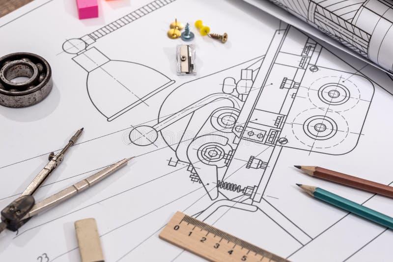 Technische Projektzeichnung mit Technikwerkzeugen Kontrollturm der Ziegelsteine lizenzfreie stockfotos