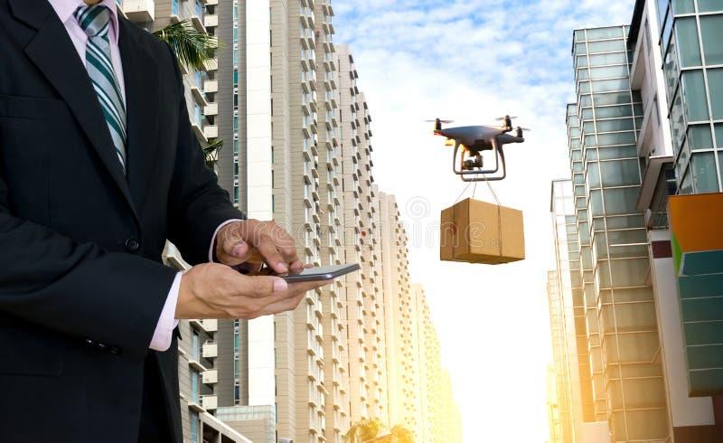 Technologia samolotu logistyki lotniczego ?adunku bezpilotowy transport obraz royalty free