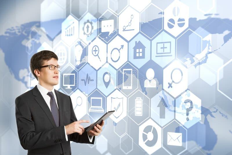 Technologie, communicatie en analyticsconcept stock foto