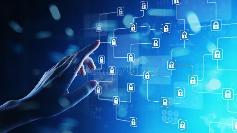 Technologie de cryptographie de Blockchain, fintech et concept d'Internet sur l'écran virtuel photo libre de droits